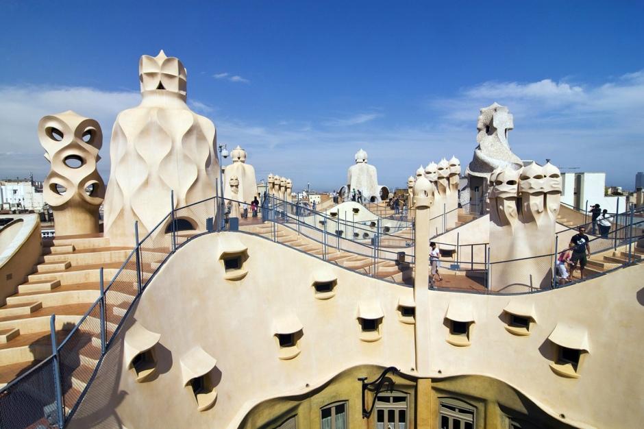 Antoni Gaudì, il tetto dell Pedrera (casa Mila).