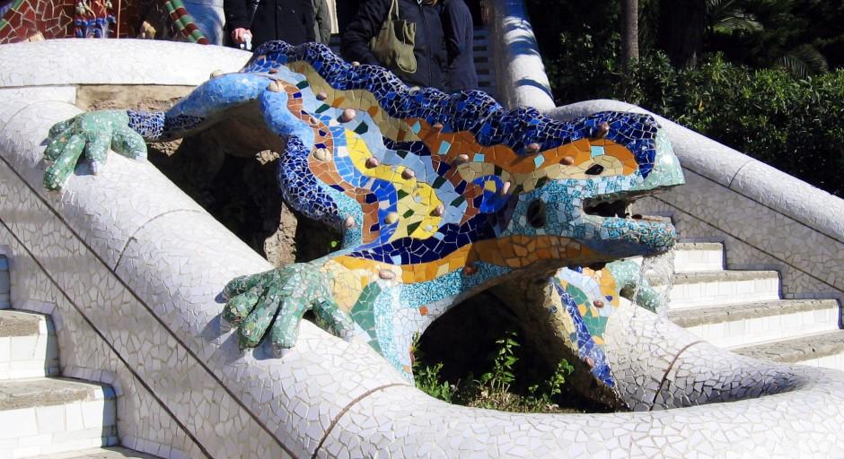 Antoni Gaudì, il drago posto all'ingresso di Parc Guell.