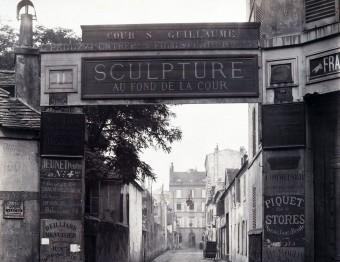 Cour Saint-Guillaume.