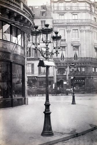 I modernissimi lampioni a gas.