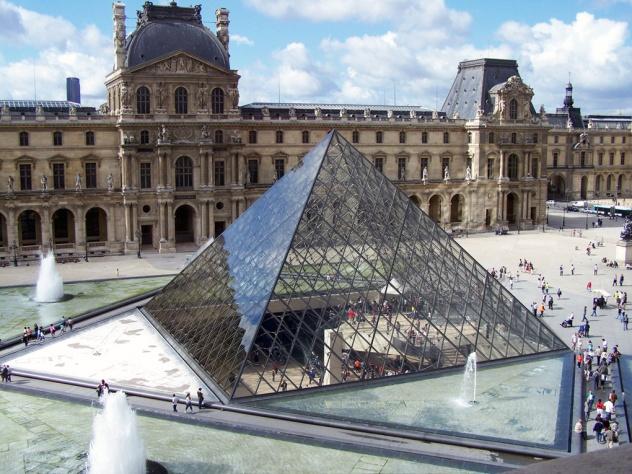 Louvre 01