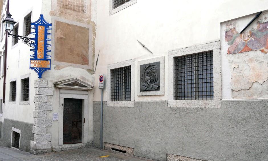 L'esterno della Casa d'Arte Futurista di Depero.