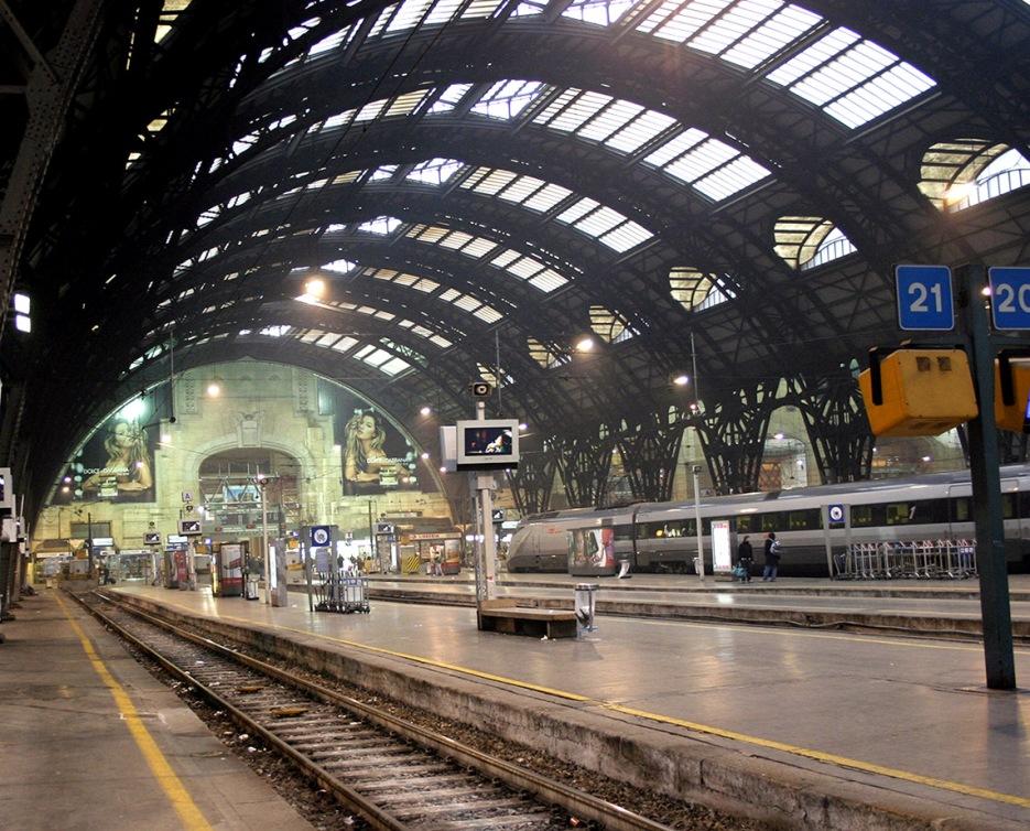 Stazione-centrale-milano-binari
