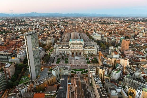 Stazione-centrale-milano-esterno-panorama