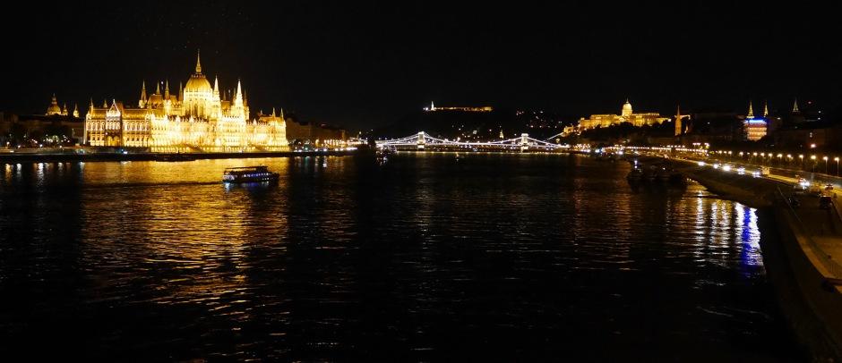 Budapest vista dal Ponte dell'isola Margherita.
