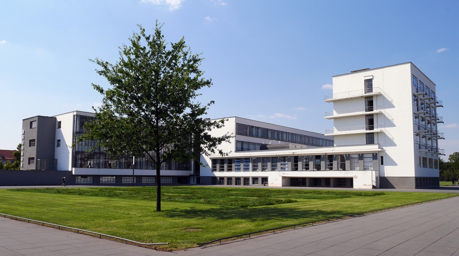 Il cortile del Bauhaus, a Dessau.