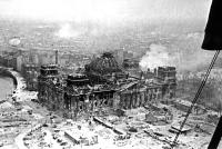 Il parlamento tedesco nel 1945.