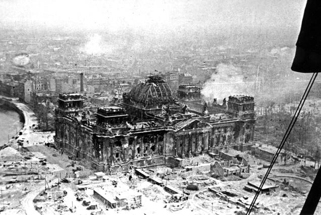 berlino-1945-reichstag