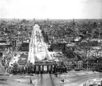 Le porte di Brandeburgo nel 1945.
