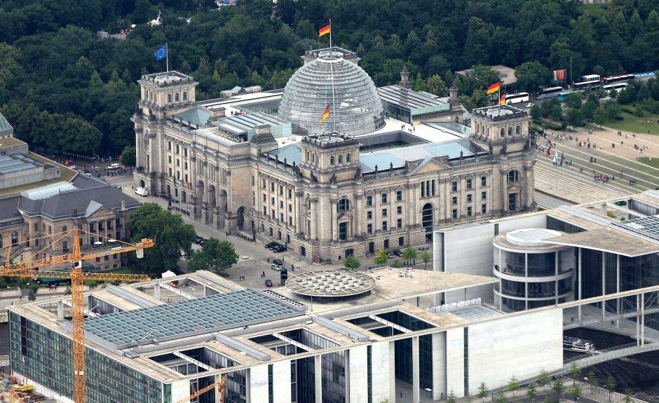 berlina-parlamento-dall'alto