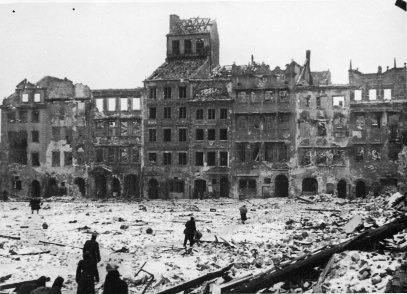 old_town_warsaw1945