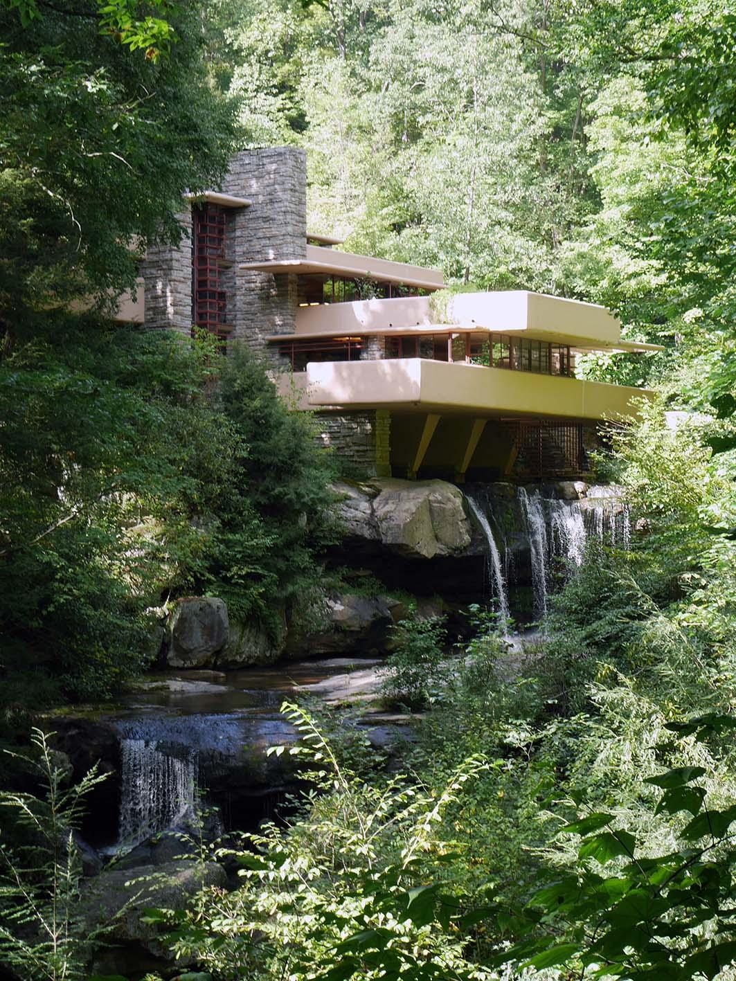 Wright casa sulla cascata la sottile linea d 39 ombra for Casa sulla cascata frank lloyd wright