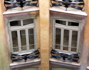Antoni Gaudi casa Milà la Pedrera cortile interno img