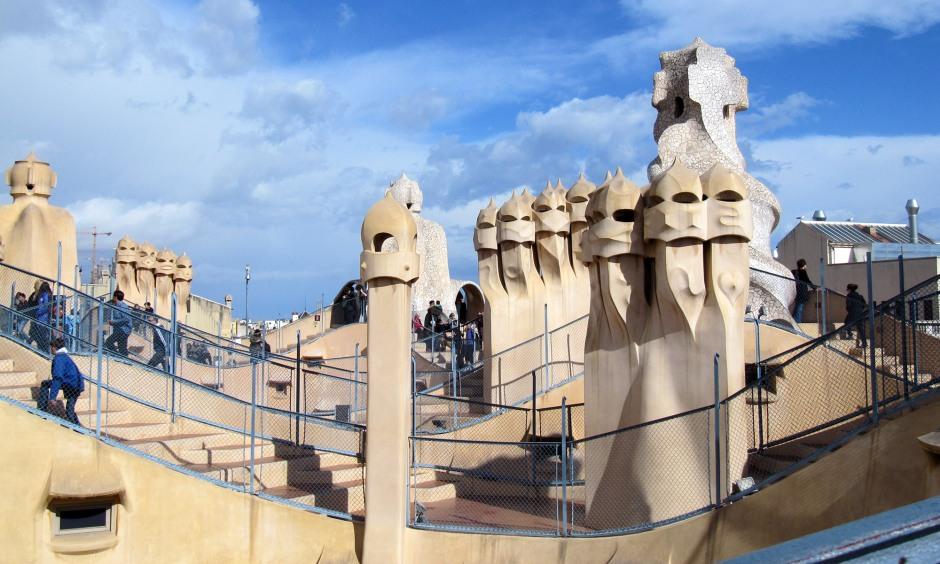 Antoni Gaudì, La Pedrera-cut