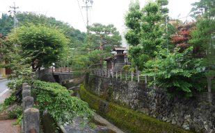 giappone_takayama_temple_path2
