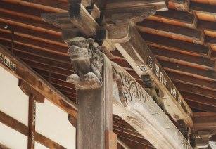 giappone_takayama_wooden_buildings2