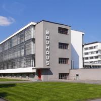 Bauhaus: architettura, arte e design tra Weimar e Dessau